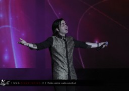 عکس های اختصاصی آوای ایرانیان از کنسرت محسن یگانه در جشنواره موسیقی فجر