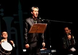 وطندوست از اُپرا و نوربخش از موسیقی ایرانی میخواند