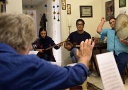 """گروه """"سرو آزاد"""" با همراهی استاد تار موسیقی روی صحنه میرود"""