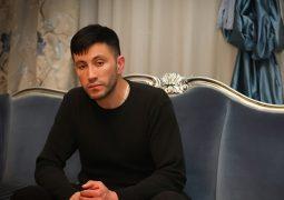 فیلم:: اذان گفتن محمد محبیان پسر حبیب در مسجد