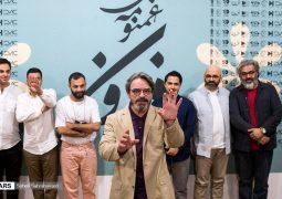 صف چند ساعته مردم برای خرید آلبوم ۹۵ هزارتومانی استاد موسیقی ایران + تصاویر