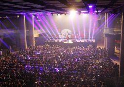 تصاویر آوای ایرانیان از کنسرت حامد همایون در زادگاهش