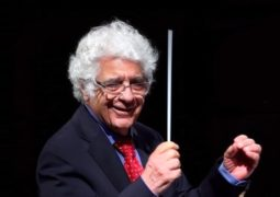 لوریس چکناواریان:کار من با این ارکستر تمام است