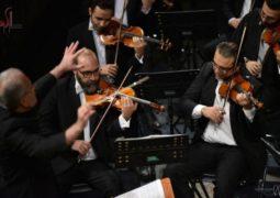 ارکستر آرکو آثاری از دوره رمانتیک را نواخت