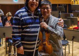 اجرای کنسرت «علی رهبری» و دان زو ستاره مشهور چینی در شهر ازمیر