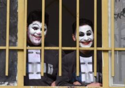 جوکرهای ایرنی در زندان چه میکنند + تصاویر