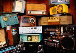 پخش نمایش پلیسی- تاریخی «دوازده ضربه» از رادیو نمایش
