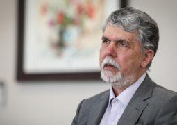 واکنش وزیر ارشاد به بستری شدن محمدرضا شجریان در بیمارستان