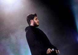 خوانندگی آرون افشار در «فجر ۳۵» در غالب یک رویداد ملی