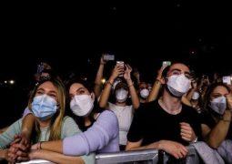 ۵ هزار تماشاگر با ماسک در یک کنسرت + عکس